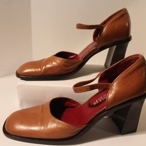 Kenneth Cole New York Brown Leather Heels